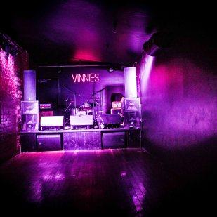Vinnies Dive @ Vinnies Dive May 19-2