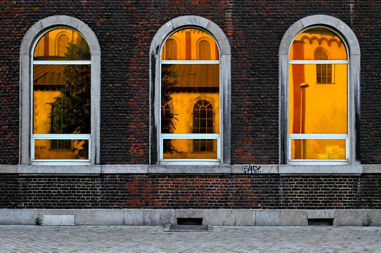 Fabris REMOUCHAMPS : Trois fenêtres 3/11