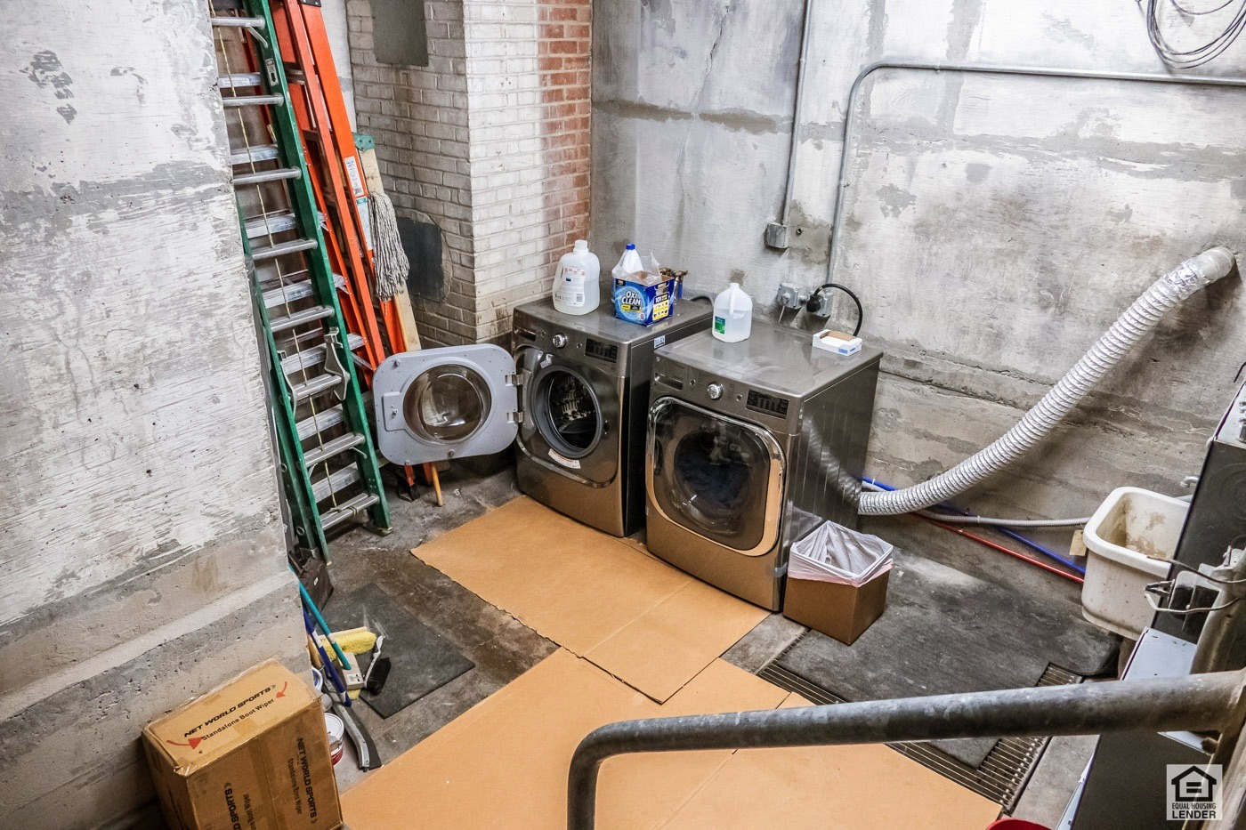 Commercial Grade Washer/Dryer