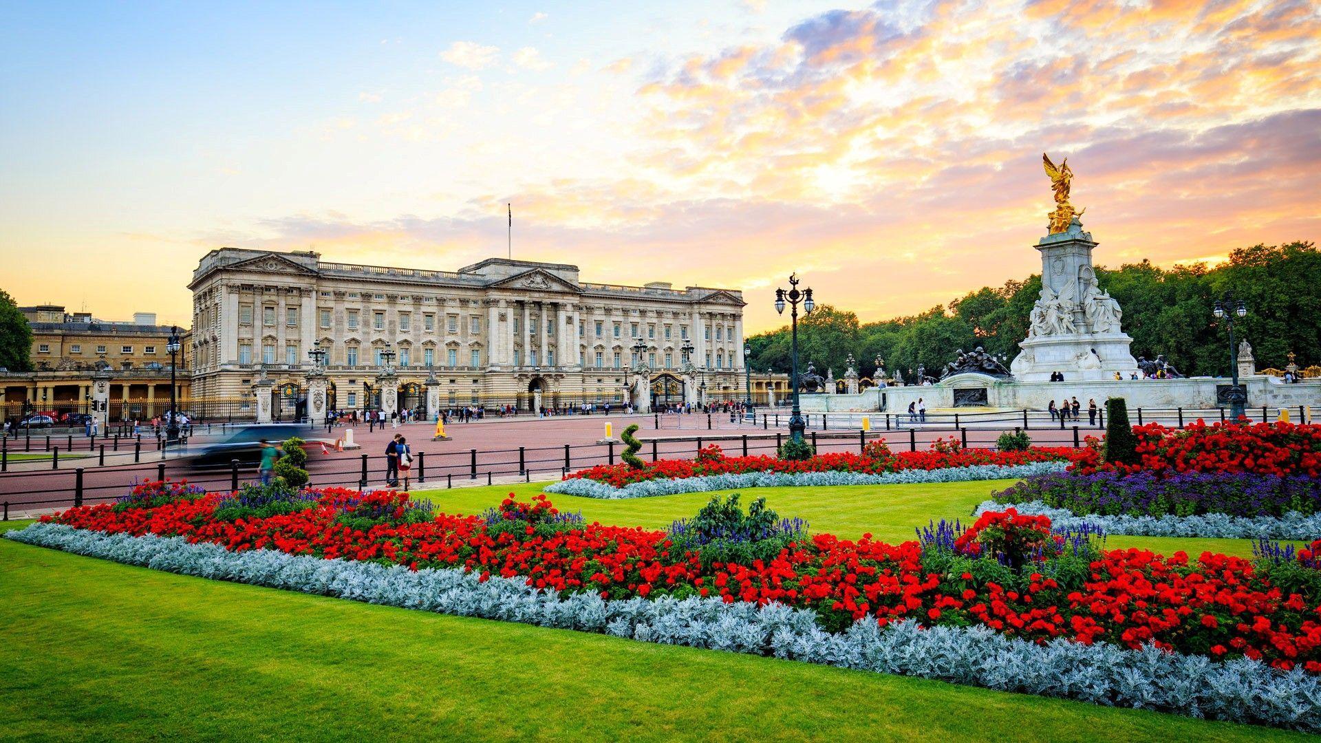 Buckingham Palace Wallpapers - Top Free Buckingham Palace Backgrounds -  WallpaperAccess