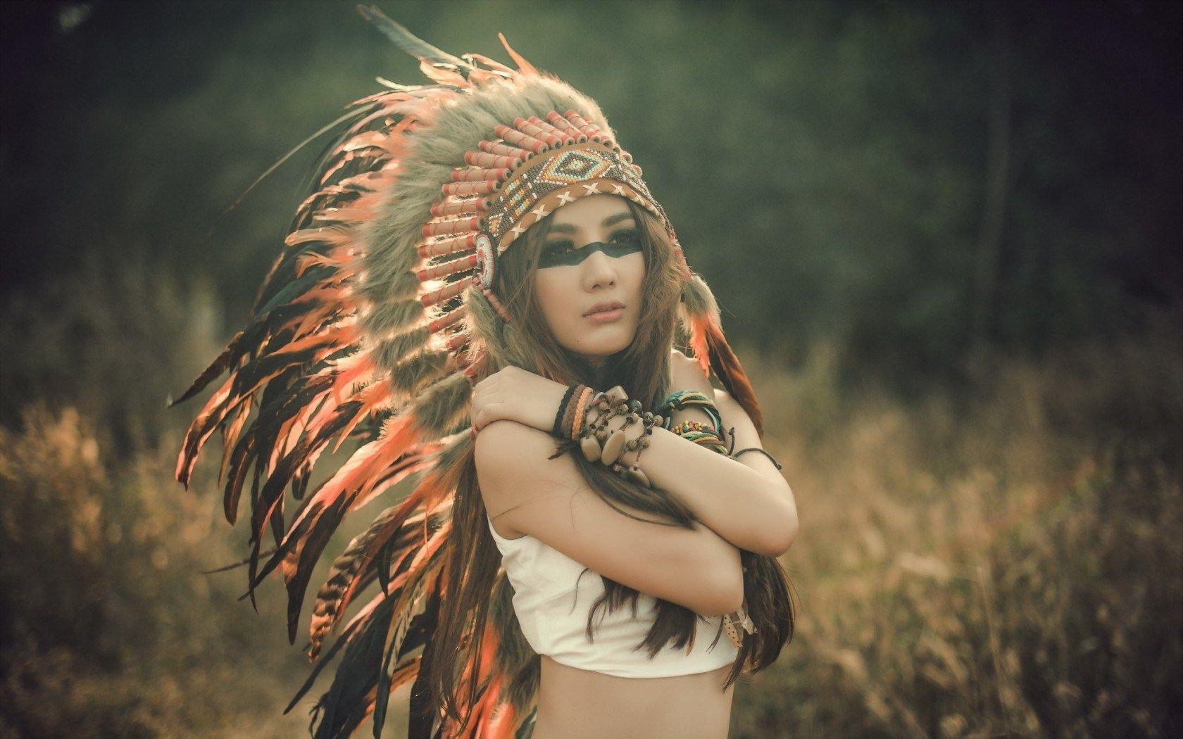 Native American Headdress Girls Wallpapers