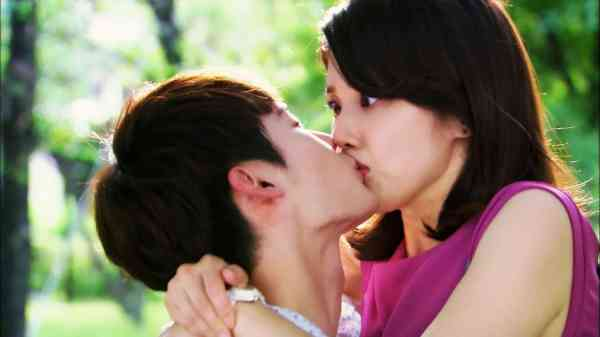 Romantic Kiss HD Wallpapers - Wallpaper Cave