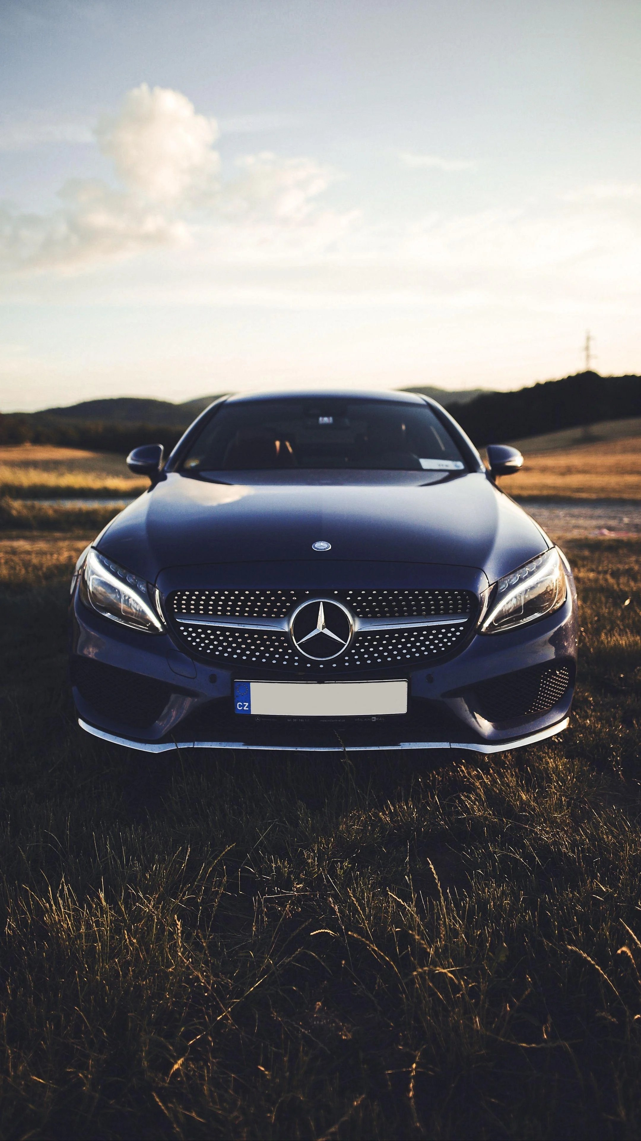 Who needs an office when you have a car? Mercedes Benz Car 4k Iphone Wallpapers Wallpaper Cave