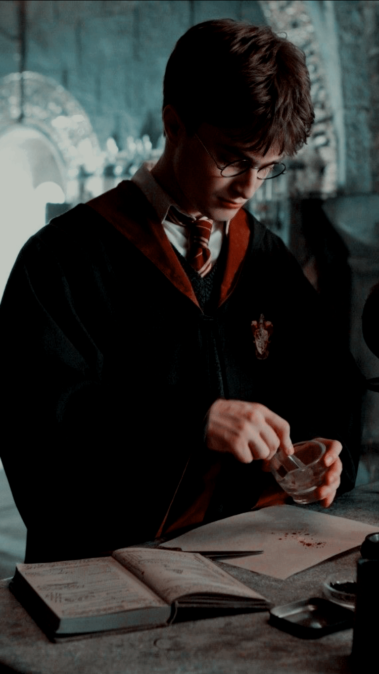 With new drops weekly, archive sunday is bound to have a collage kit to match your aesthetic. Harry James Potter Wallpapers - Wallpaper Cave