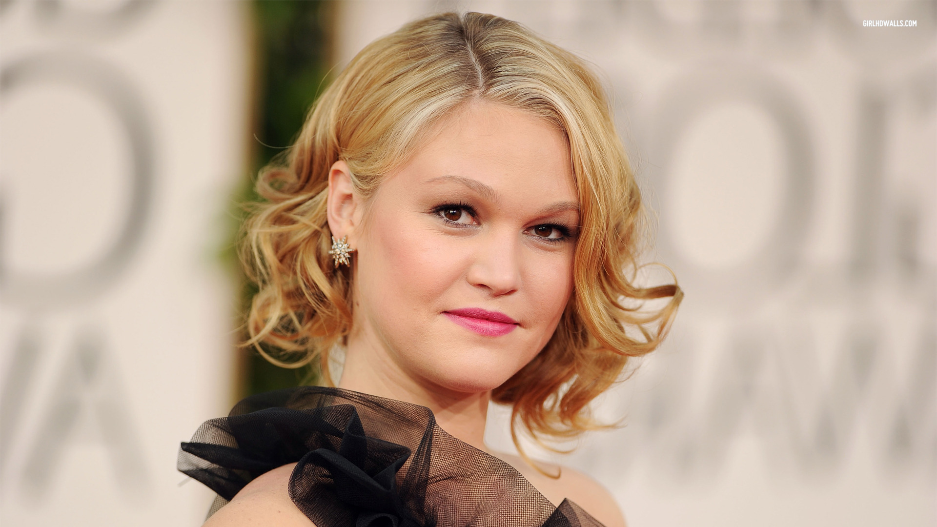 Julia Stiles Wallpapers High Resolution And Quality Download