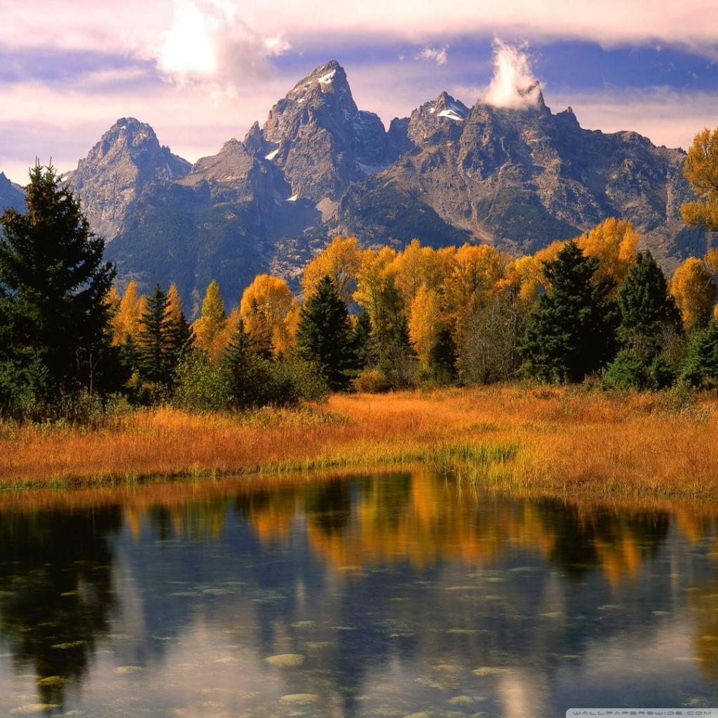 Scenic Autumn Desktop Wallpaper