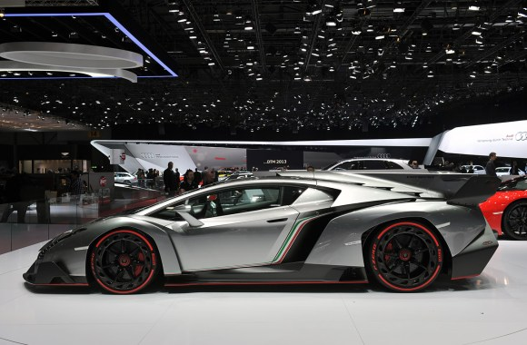 Lamborghini Veneno From The Side Photo HD Wallpaper