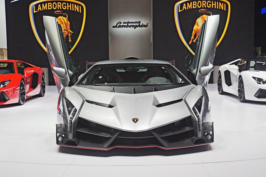 Lamborghini Veneno From The Front Photo HD Wallpaper