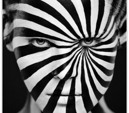 Amazing Black And White Face Art Photo Picture
