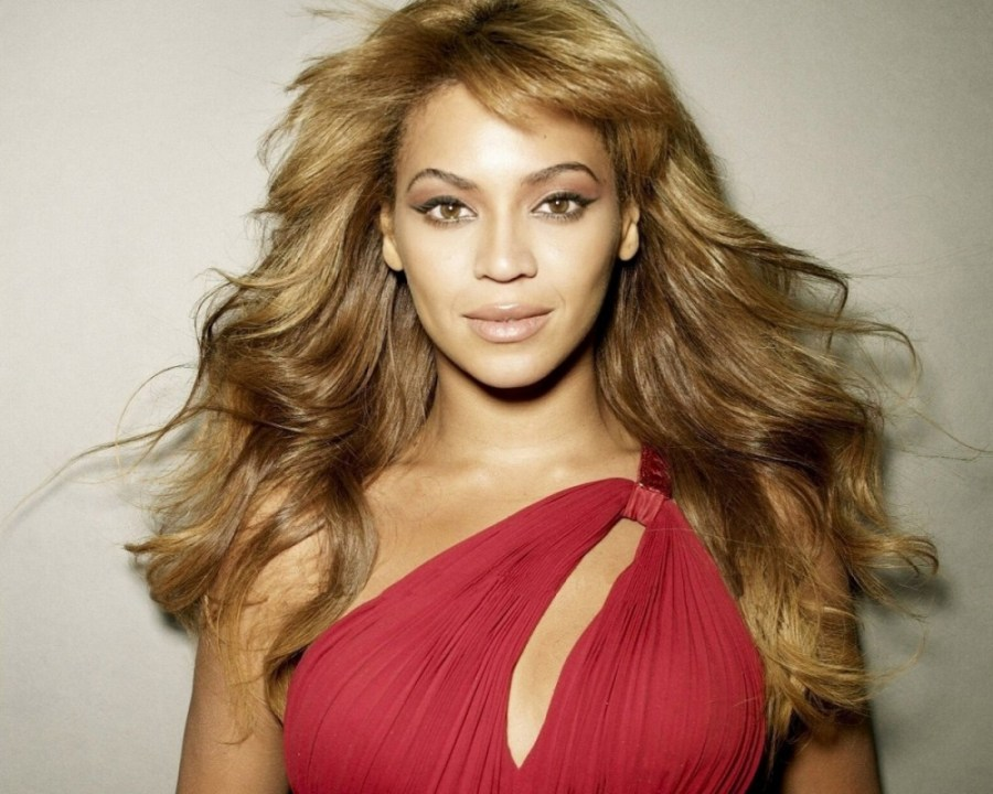 Beautiful Beyonce With Red Dress Photo HD Wallpaper Widescreen