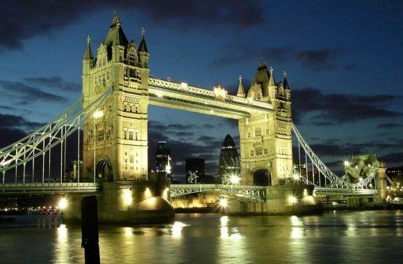 Tourist Holiday London Bridge Evening River Wallpaper HD Widescreen