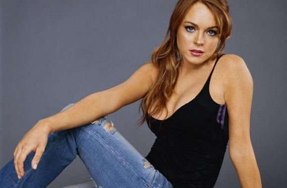 Lindsay Lohan With Black Shirt And Jeans Photo Picture HD Wallpaper