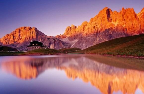 House on a Beautiful Lake HD Wallpaper