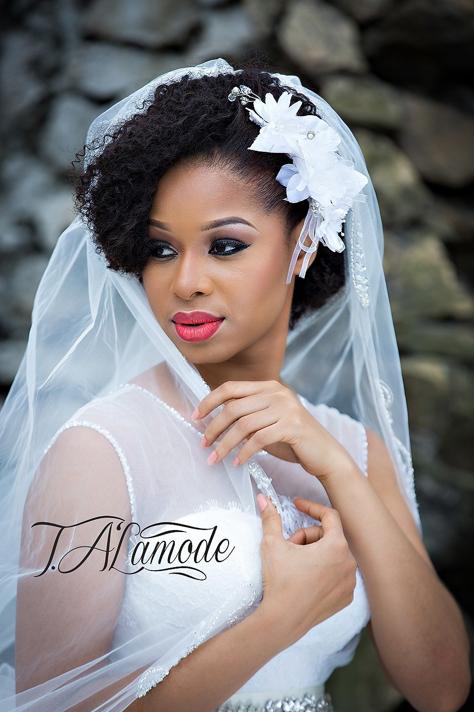 New Striking Natural Hair Looks For The 2015 Bride T Alamode Ideas With Pictures