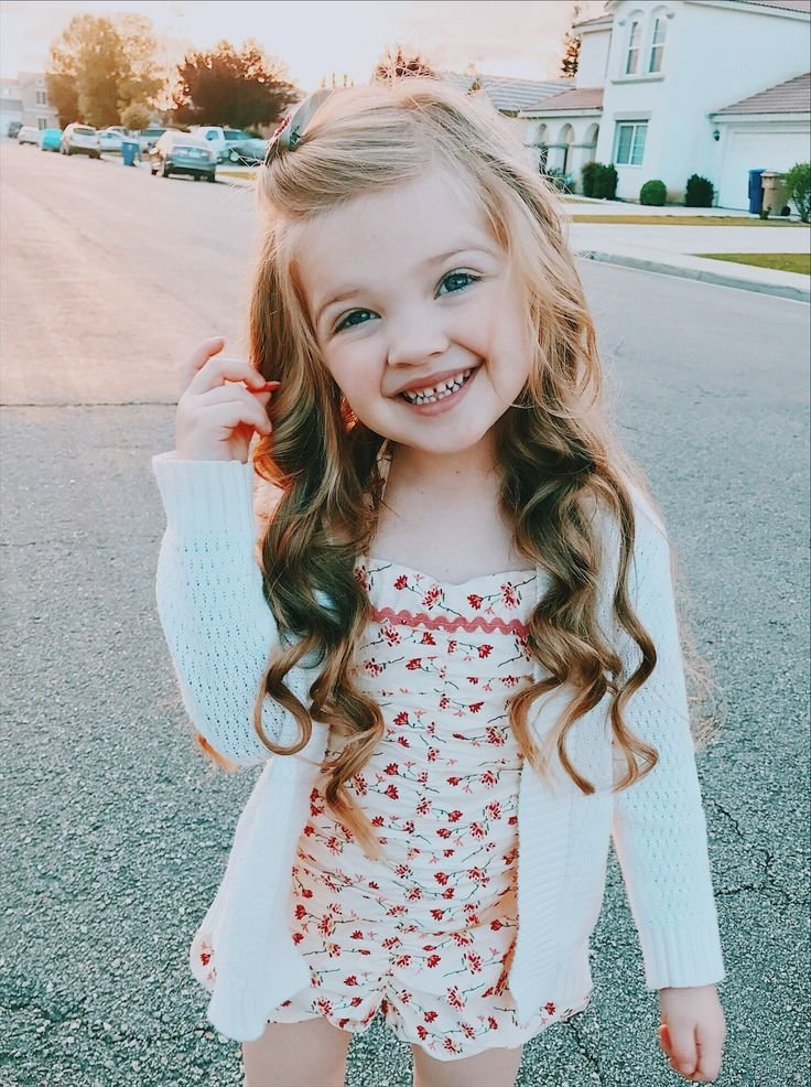 New Little Girl Hairstyle Long Hair Curls Curled Wavy Beach Ideas With Pictures
