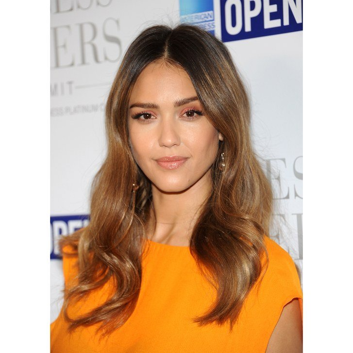 New The 10 Most Flattering Haircuts For Oval Faces Allure Ideas With Pictures