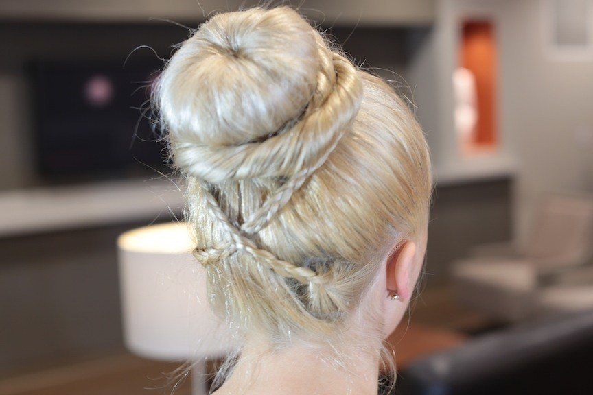 New Cross Braid Sock Bun Updo Hairstyles Cute Girls Hairstyles Ideas With Pictures