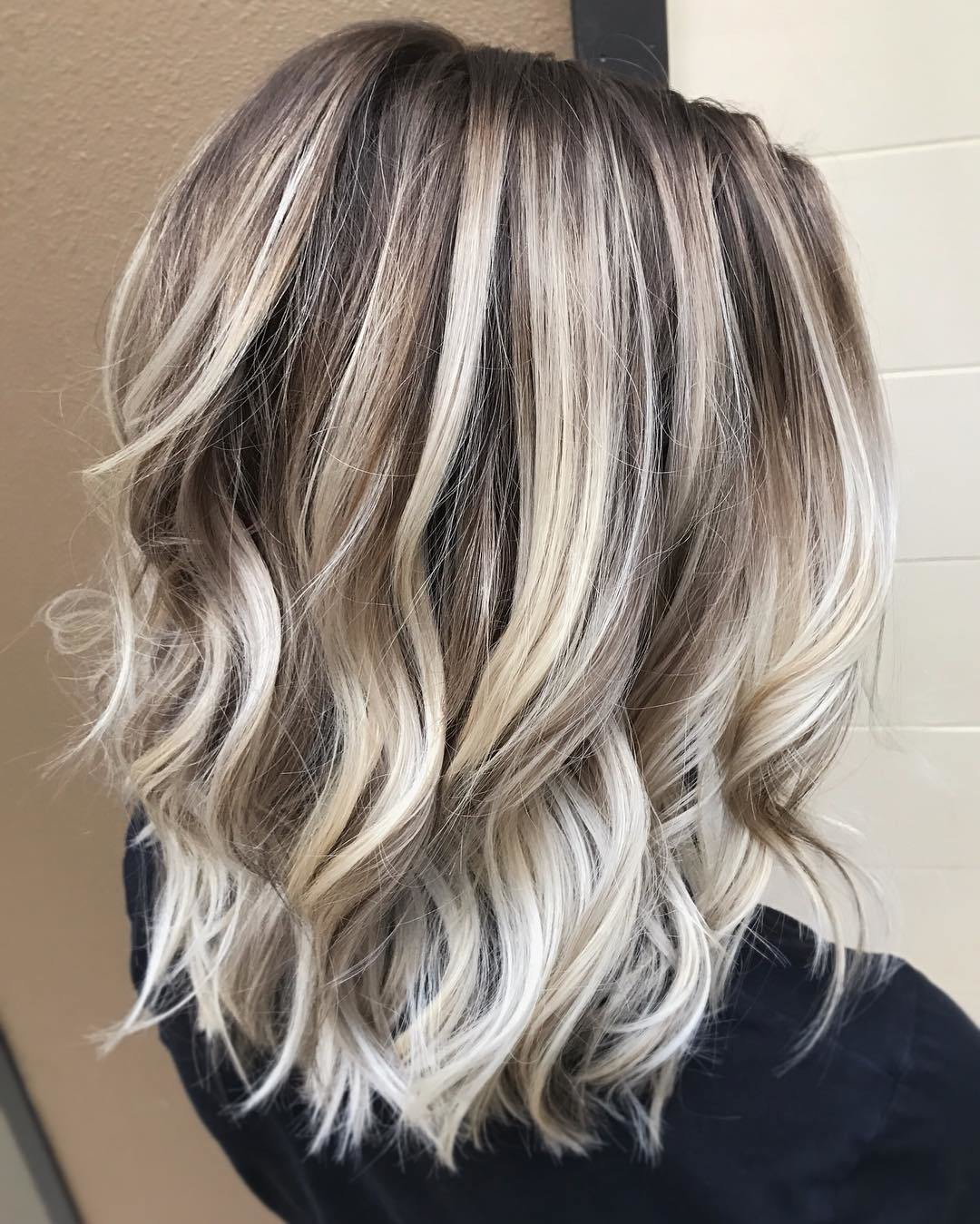 New 10 Ash Blonde Hairstyles For All Skin Tones 2019 Ideas With Pictures