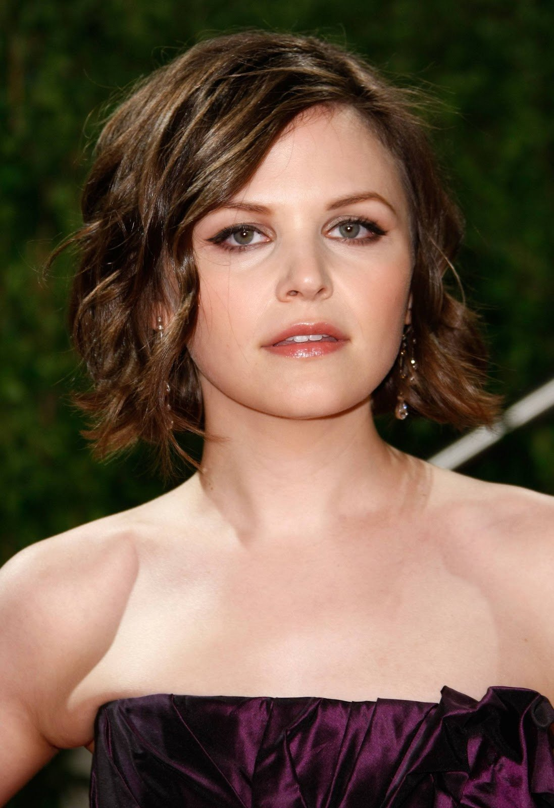 New Celebrity Short Hairstyles For Oval Face Curly Hairstyles Ideas With Pictures
