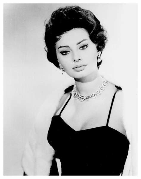New Sophia Loren Hairstyle 6 Ideas With Pictures