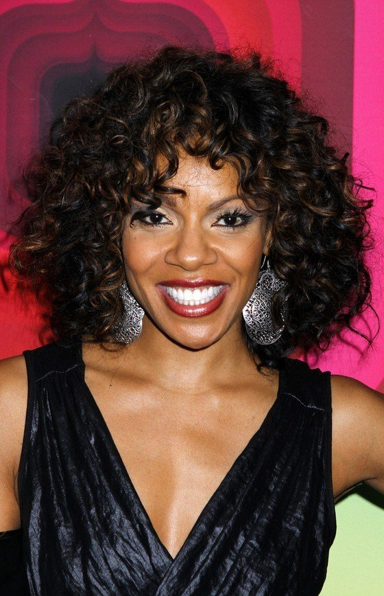 New Wendy Raquel Robinson Shoulder Length Curly Hairstyle For Ideas With Pictures