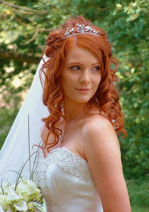 New 25 Fantastic Wedding Hairstyles For Curly Hair Creativefan Ideas With Pictures