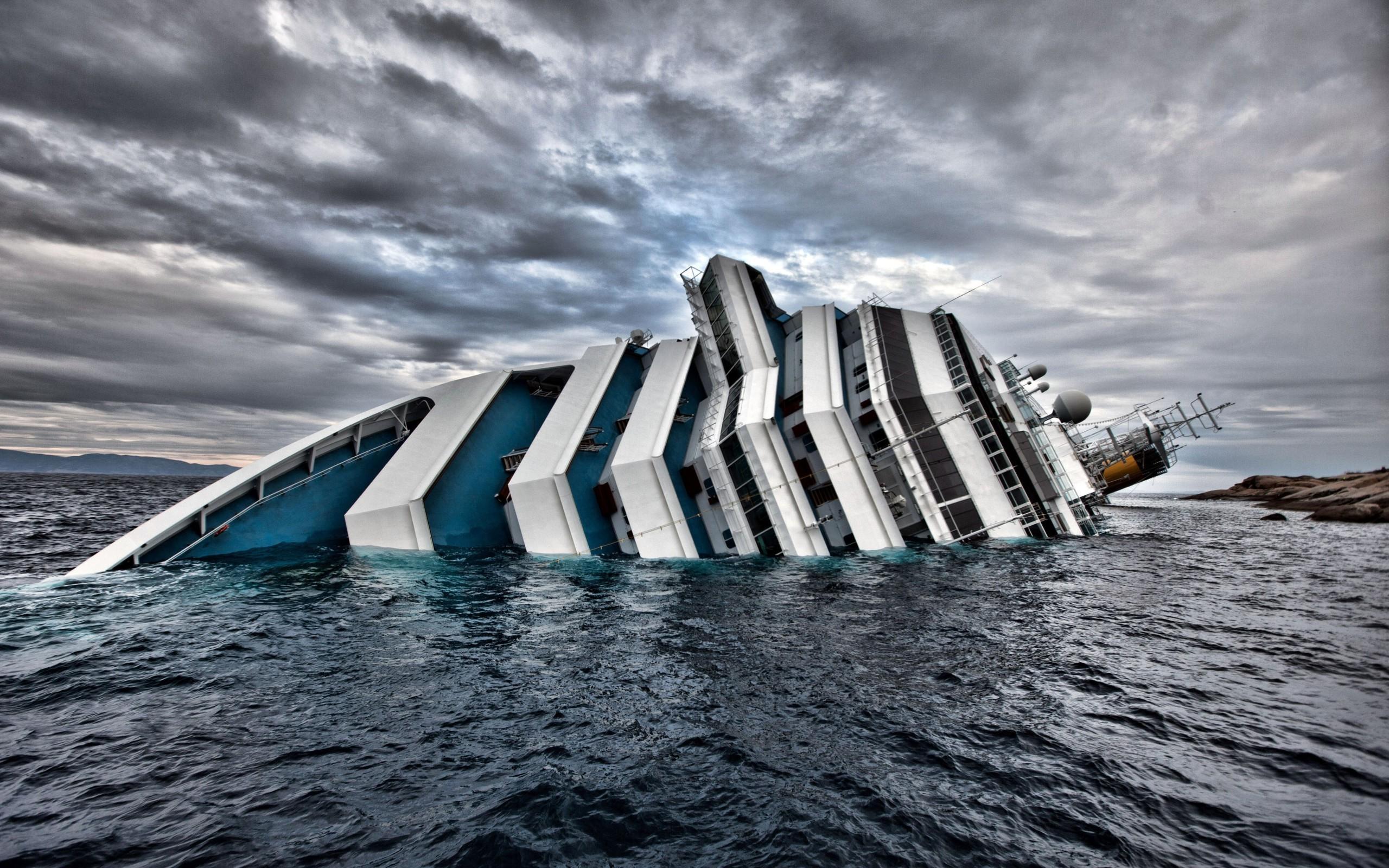 Costa Concordia Disaster Crash Ship Cruise Ship Sea