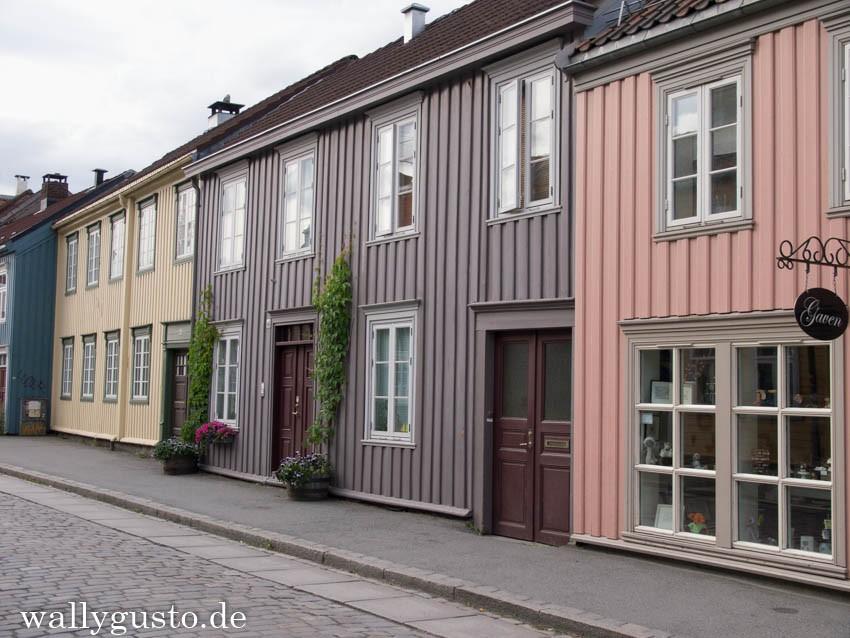 Norwegen Trondheim Bakklandet