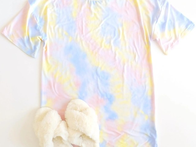 Derek Heart Oversized Tie Dye Sleepshirt