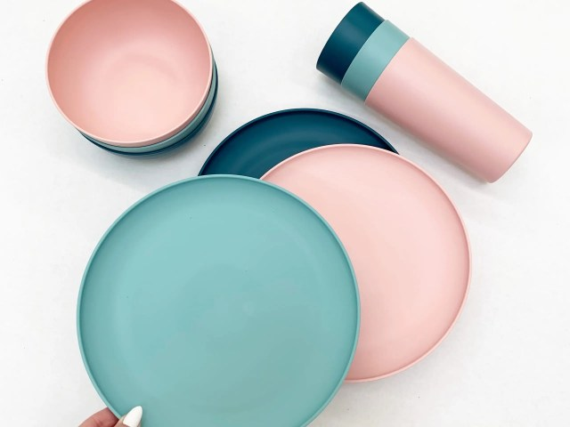Mainstays Plastic Plates, Bowls, and Tumblers