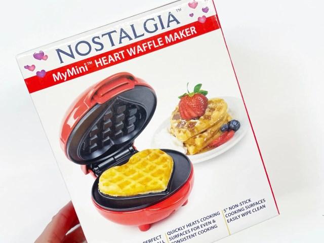 Nostalgia My Mini Heart Waffle Maker