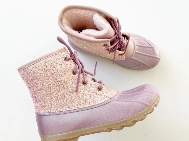 Wonder Nation Pink Sparkle Duck Boot