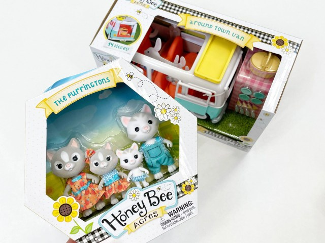 Honey Bee Acres Purringtons Cat Family and Around Town Van