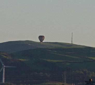 img_3337-hot-air-balloon-coming-down-on-kirkby-moorjpg
