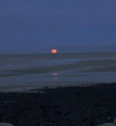 Red Moon Earnse Bay 29th Dec 2020.2 - Copy