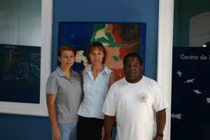 Monica Echegaray, Denise Wenger und Julio Reyes im ACOREMA-Meeresschutzzentrum 2005
