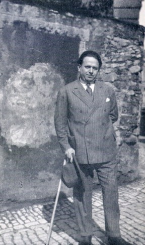 Kurt Tucholsky in Paris 1928. Quelle: Wikipedia