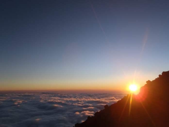 sunrise gunung semeru