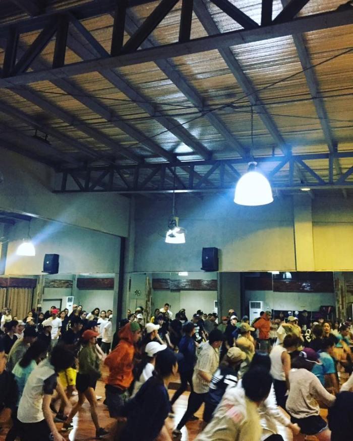 gc-full-house-dancing