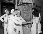 us-servicemen-bar
