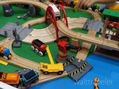 クリスマス・子供の誕生日・出産祝いのプレゼントに!木のおもちゃのおすすめ玩具メーカー3選!