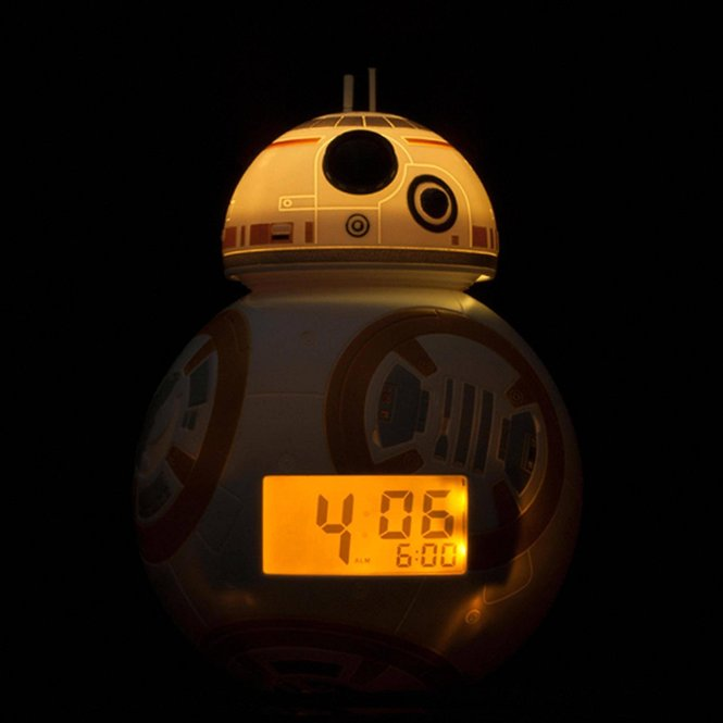 12 Coolest Star Wars Clocks To Help You