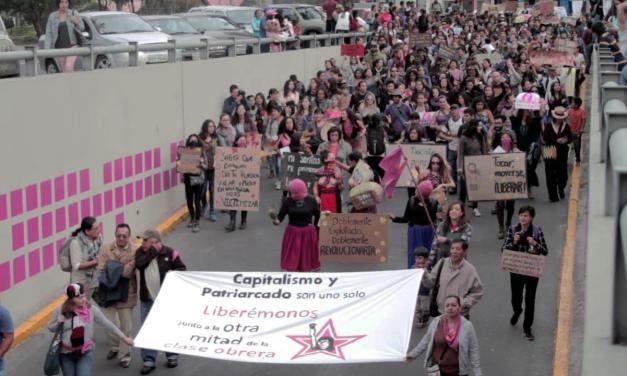 Fueron miles, fuimos miles tejiendo en la Marcha #VivasNosQueremos