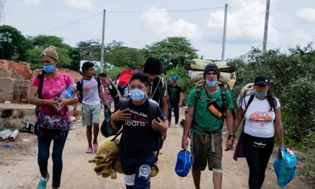 Una maleta y muchos caminos. La migración venezolana en la frontera de Ecuador con Perú