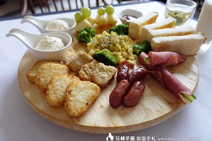 cloud-spring-garden-breakfast