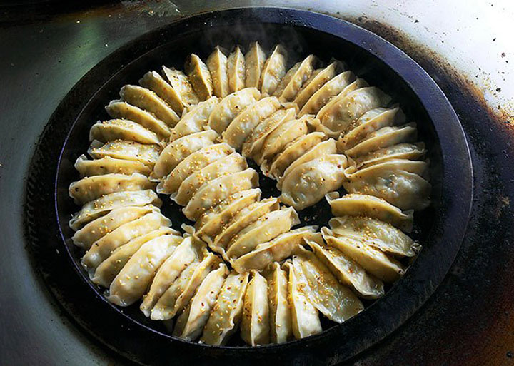 fried-dumpling-fb-01