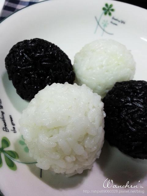 20140619黑米 雙色飯糰_211319