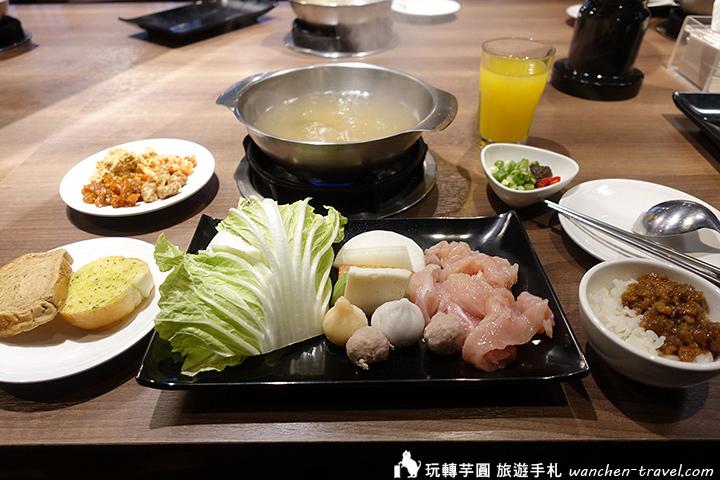 hotel-papa-whale-breakfast