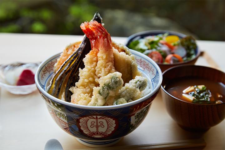 yuen-lunch