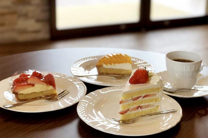 hotori-no-hotel-ban-food